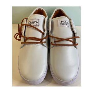 Mens Globe Appleyard Mahalo White leather skate shoe size 12 US tan lace ups